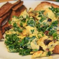 Herbed Kale and Sundried Tomato Scramble